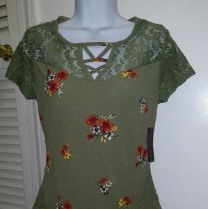 No Boundaries green Lacey floral top